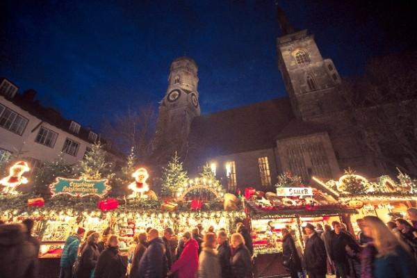 本場のクリスマスマーケットに行こう!主要4国のツアー料金を調べてみた。