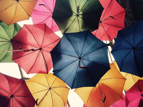 お花見にも傘は必要