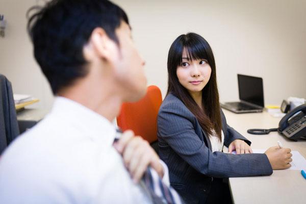 職場の男性の脈なし態度