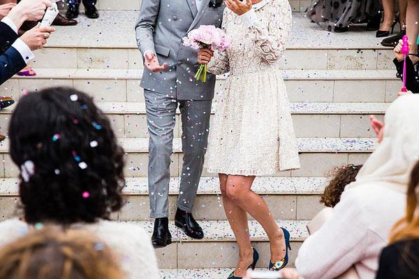 出会いがな社会人女性は参加した結婚式で出会いのキッカケを作る