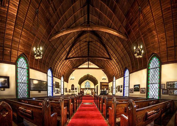 教会でミサを体験するクリスマスデートプランもオススメ