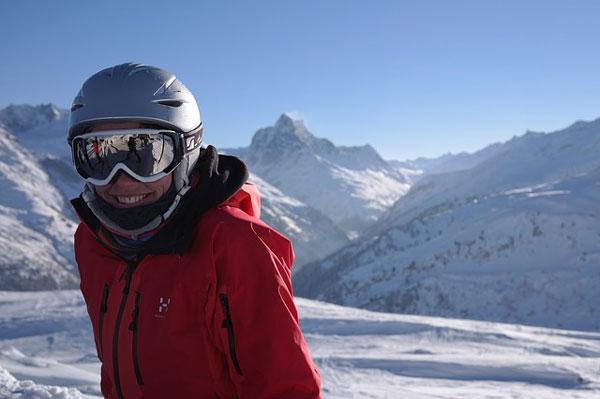 スキー場でホワイトクリスマスデート