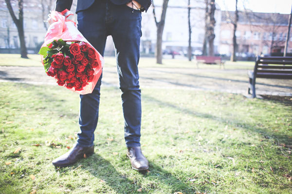 O型男性は女性を喜ばせようとするロマンチスト